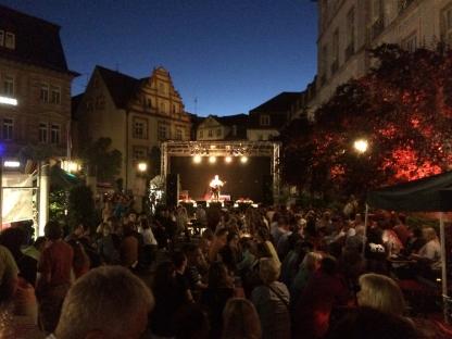 """Immer Donnerstags – Big """"Kev"""" Murphy ... fränkisch-irischer Kulturgärtla-Chor at its best!"""